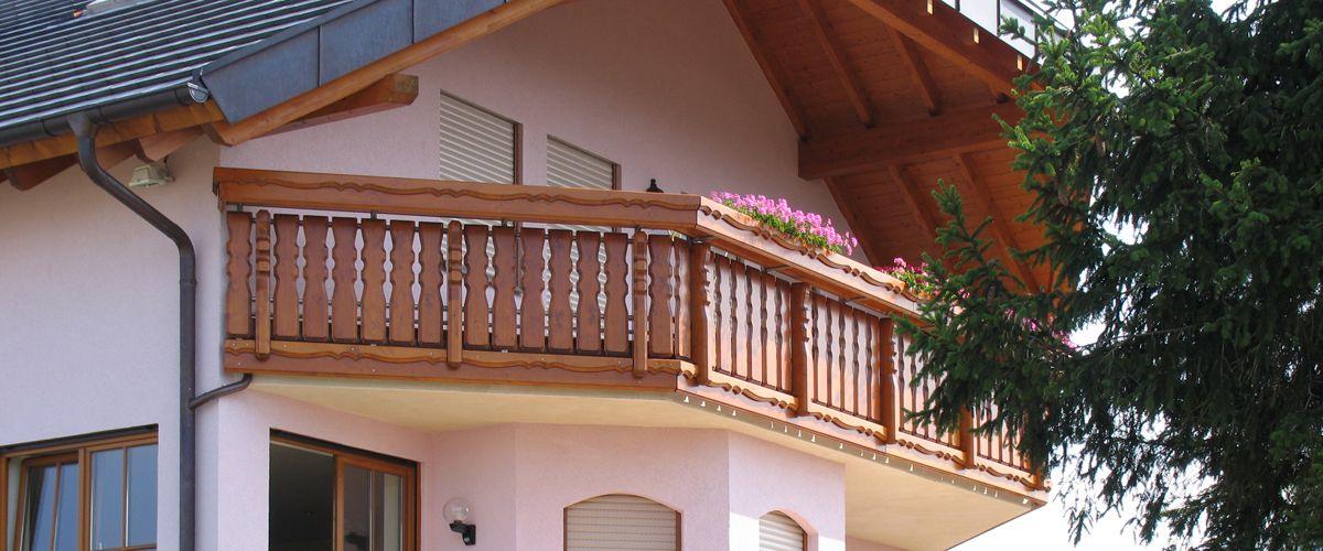 m ller balkone aus holz viele gestaltungsm glichkeiten. Black Bedroom Furniture Sets. Home Design Ideas